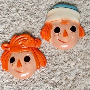 VINTAGE 1970'S RAGGEDY ANN & ANDY WALL PLAQUES
